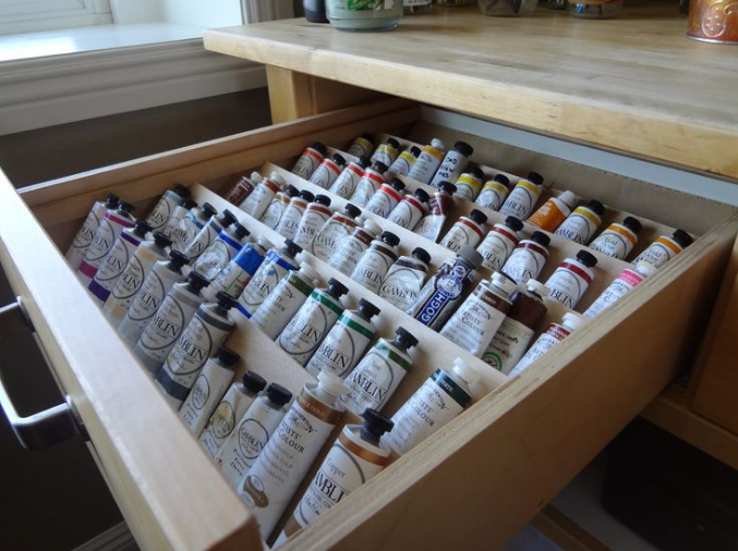 How to store paint tubes
